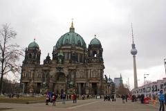 Берлинская телебашня и Берлинский кафедральный собор