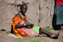 плетение браслетов Масаи