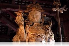Стражник охраняющий Будду